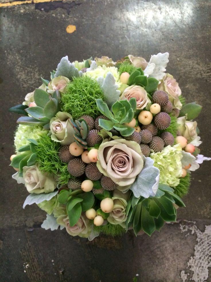 Roses, succulents, berries & brunei.....lush!