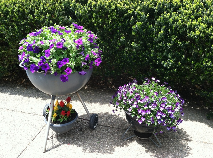 Use An Old Barbeque Grill As A Flower Planter  Place A