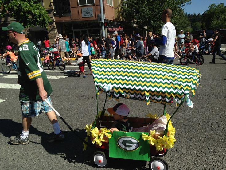 Kids parade float - Green Bay Packers wagon