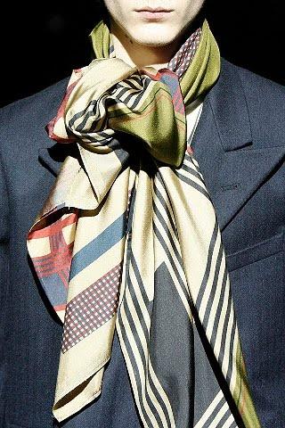 Google 搜尋 http://2.bp.blogspot.com/-fSSMpWfFoyE/T7Kz-wGPGdI/AAAAAAAANXg/fmtEzuzlqn4/s640/scarf-dries-men.style.com.jpg 圖片的結果