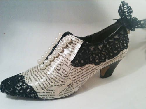 OM Gosh! These are adorable! Vintage shoes up-cycled with book pages. I just hate to destroy a book-even an old one. All these book repurposes are so hard for me, but  I love the look.