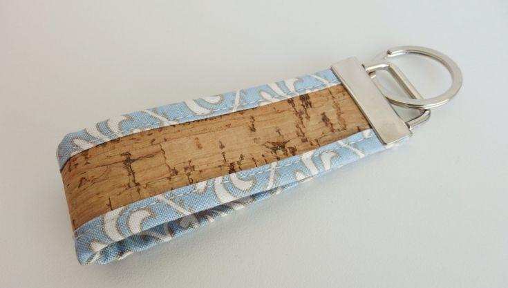 Keychain cork and fabric by MontradaCarolina on Etsy