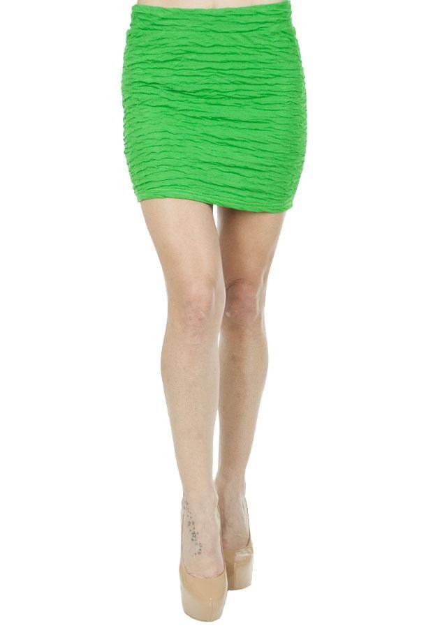 Fusta Dama Greenish  Fusta dama mini, ce se muleaza frumos pe corp. Design modern, material lejer ce va va pune in evidenta silueta.     Lungime: 37cm  Latime talie: 35cm  Compozitie: 95%Poliester, 5%Elasten