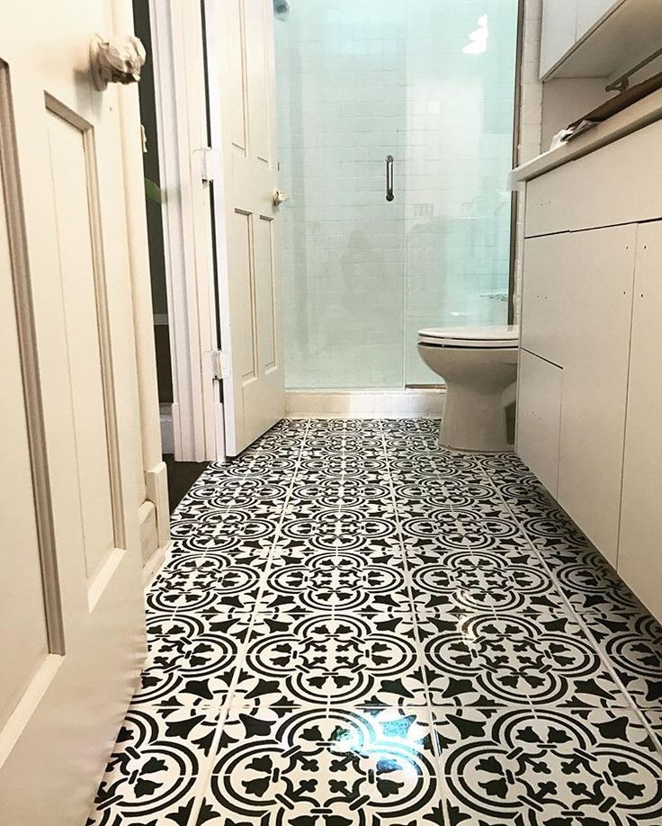 17 best images about stenciled painted bathrooms on for Best paint for linoleum floors