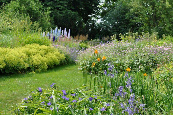 117 best green seasoning images on pinterest backyard ideas front gardens and front yards. Black Bedroom Furniture Sets. Home Design Ideas