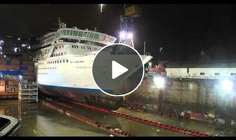 Cruise Ship timelapse