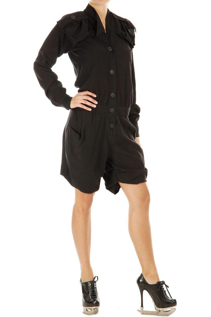 Vivienne Westwood jump suit  http://www.spence.it/store/donna/Vivienne-westwood-vestito-lungo-con-pantaloncini-corti-art23837.html