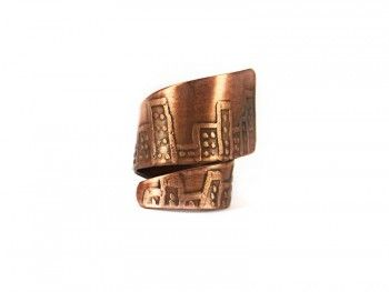 This wide band city horizon line etched ring is a gorgeous one of a kind handmade jewellery.