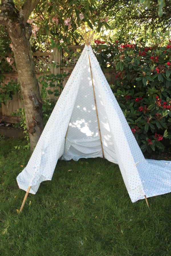 easy easy teepee -- bamboo stakes, king sheet, clothespins ...