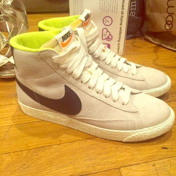 Women's Nike blazer mid vintage sneakers in grey