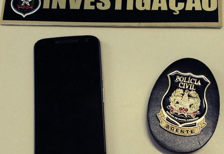 A Delegacia de Polícia de São José do Cedro (SC) recuperou, nesta sexta-feira (28), um telefone celular furtado em maio deste ano, neste município.O crime ocorreu no interior de uma escola nesta c
