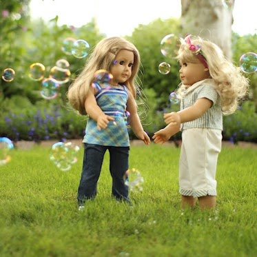 cute dolls playing from a wonderful doll blog