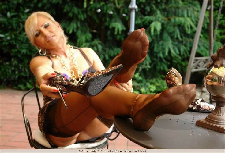 Pin On Lady Barbaras Mature Nylon Feet-5205