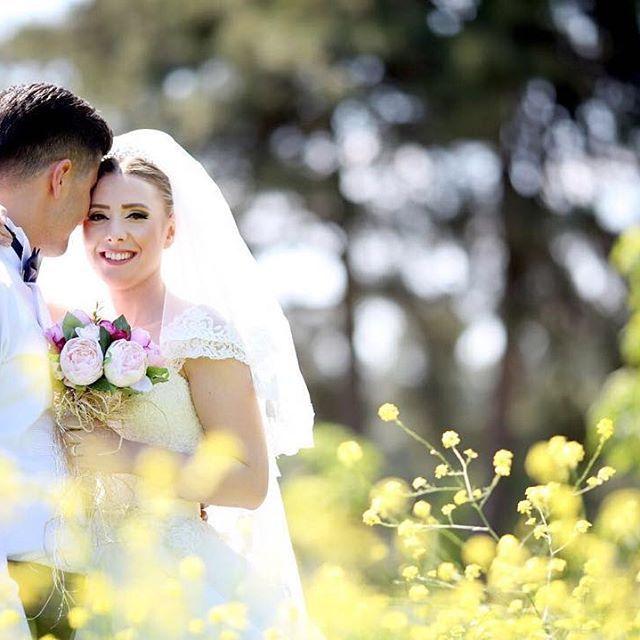 Fotoğraf çekimi için en güzel mevsim; doğanın canlandığı ilkbahar olsa gerek... #savethedate için tam zamanı... Bilgi ve rezervasyon için: 0535 615 54 00  #wedding #weddingphotography #weddingphoto #weddingday #sunday #love #instalike #happy #mutlu #2016 #papyon #groom #photo #bride #gelin #damat #fotoğraf #gelinçiçeği #düğünfotoğrafı #like #white #black #like4like #tbt #düğünhikayesi #dışçekim #kırdüğünü @laberiagelinlik