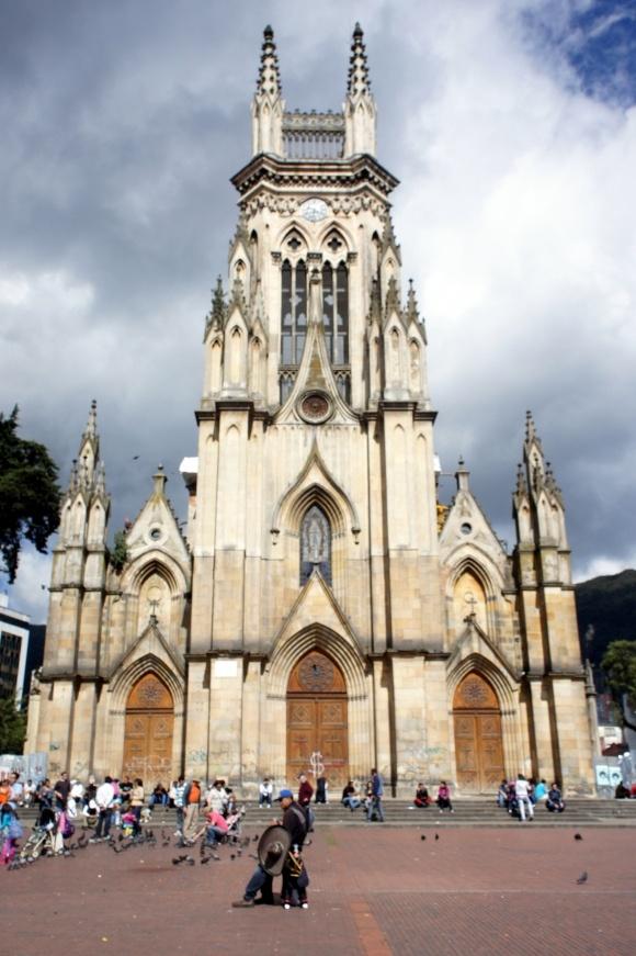 Iglesia de Nuestra Señora de Lourdes #Bogotá #Colombia @Diruristico #SomosTurismo