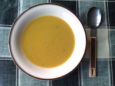 Jednoduchý a provoněný recept z indické kuchyně, kde si vystačíte jen s čočkou, kořením a trochou limetkové šťávy. Když už budete polévku vařit, udělejte si větší porci a co nesníte, může jít do mrazáku. Příprava: 5 min. Vaření: 50 min. ...