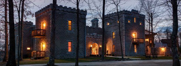 Ravenwood Castle in Hocking Hills named Ohio Bed and Breakfast of the year!