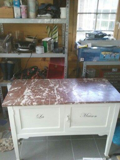 Badkamer meubel chalkpaint Annie Sloan verf.
