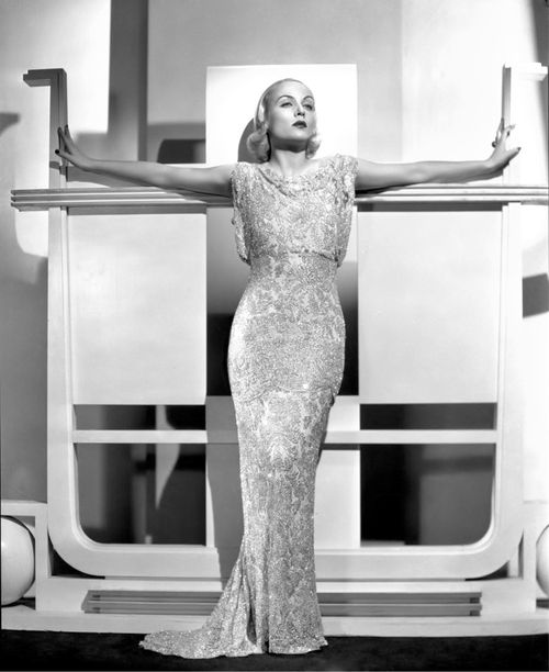 Carole lombard in another fabulous art deco setting wearing a couture a - Pinterest couture deco ...