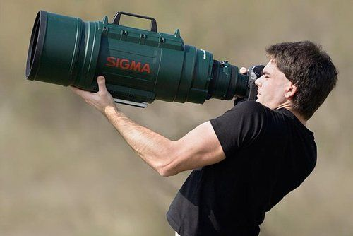 Take photos of the Moon with Sigma Telephoto - The first large-aperture ultra telephoto lens. #Fun #Moon #Photography