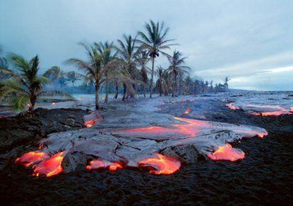 Las impresionantes fotografías de lava y volcanes de G. Brad Lewis