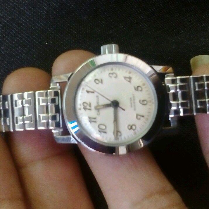 đồng hồ caravell đẹp không tỳ vết
