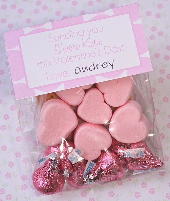 """""""Sending you s'more kisses this Valentine's Day.""""  Kids valentine treats, free printable."""
