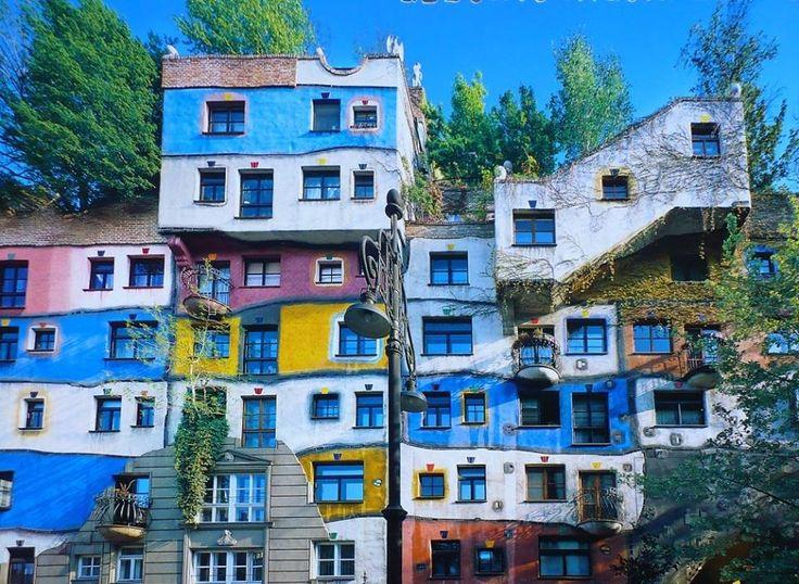 Friedensreich hundertwasser maison hundertwasser for Architecture hundertwasser