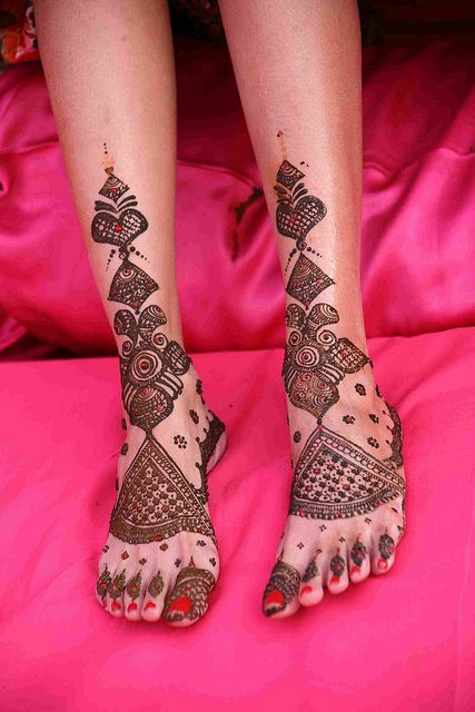 Simple Floral Mehndi Patterns