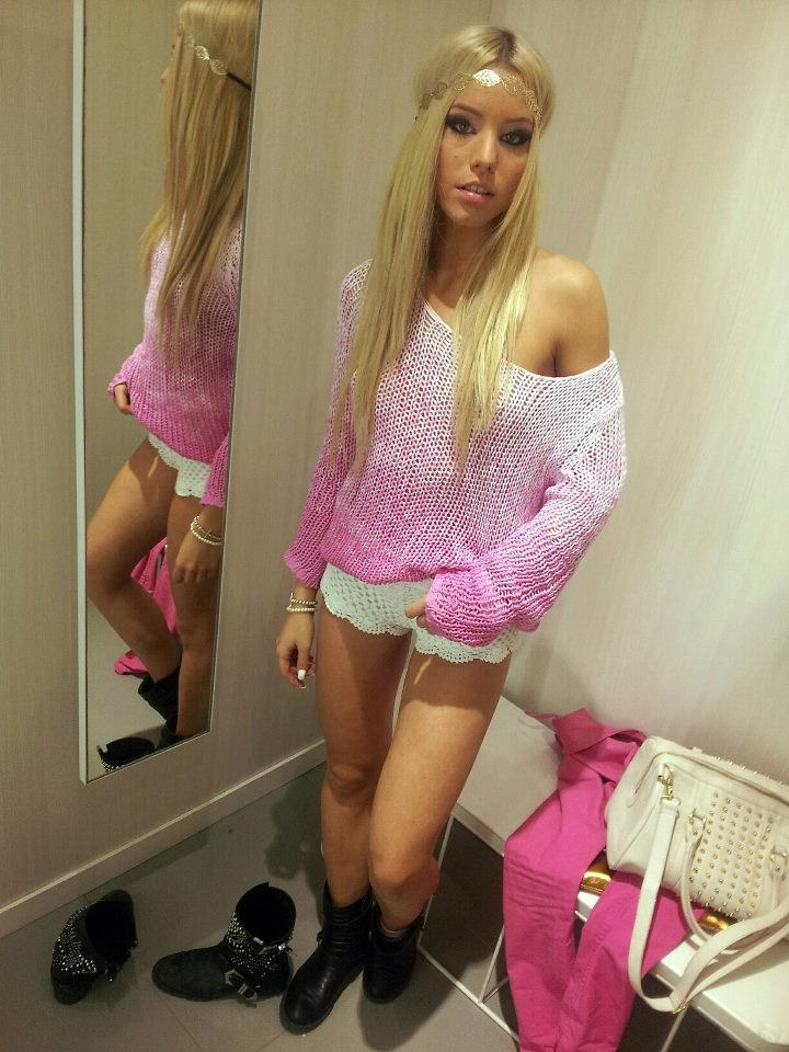 image Dressing room 27 blonde teen huge ass