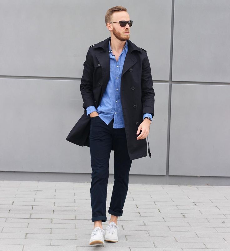 Looking for the perfect Spring style? @berndhower shows us how to do that: Trenchcoat with sneakers and sunglasses by rocco by Rodenstock.