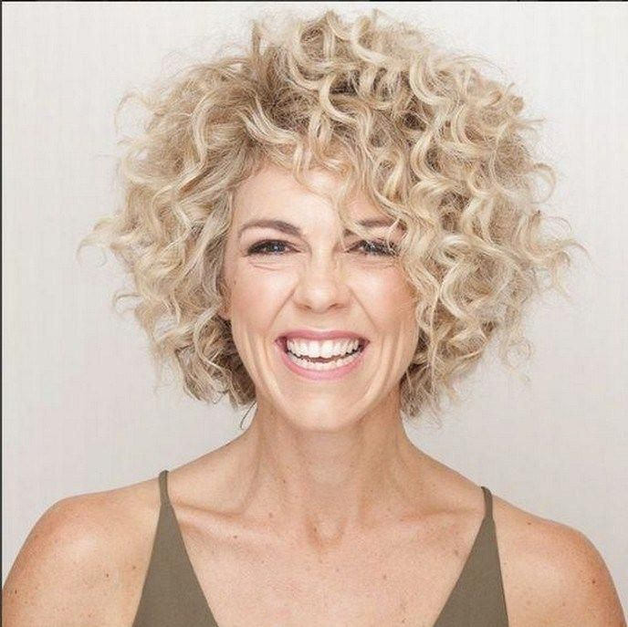 40 most amazing curly short hairstyles for women to try in 2019 28 – JANDAJOSS…