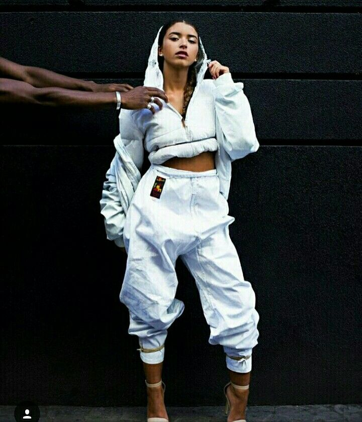 27 Best 90 39 S Hip Hop Fashion Images On Pinterest 90s Party Feminine Fashion And Streetwear