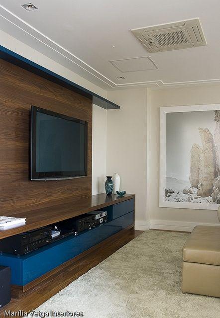 Decor novembro azul salas de tv muebles flotantes y for Sala de estar oscura
