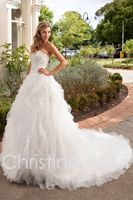 Designer wedding dresses which designed by Australian designer team. Available at our shop during the Trunk Show, style 4104
