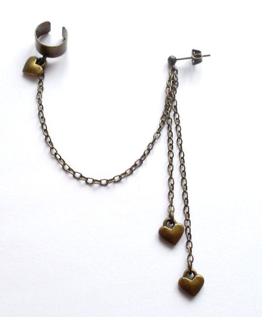 Ear cuff med kedja från http://ladyofthelake.se