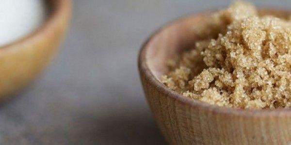naturalne sposoby na bezsenność Do słoiczka wsypać: 1 łyżeczkę nierafinowanej soli kamiennej lub himalajskiej 5 łyżeczek brązowego cukru nierafinowanego, może być trzcinowy