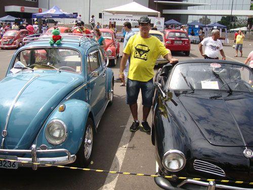 Folha da Região - Evento reúne apaixonados por carros antigos