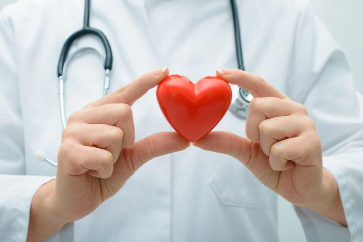 Recepturu na tento lék vymyslela slavná jeptiška Hildegarda z Bingenu před 800 lety, která se na danou dobu dožila pozoruhodně vysokého věku 81 let. Ukázalo se, že její lék je velmi účinný na téměř všechny onemocnění a slabosti srdce. Použít byste ho měli tehdy, když pociťujete jakýkoliv problém se srdcem, například píchání, bušení či arytmii.