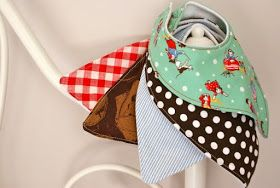 Albert and the Lion: Bandana Bib Free Tutorial for drooling teethers