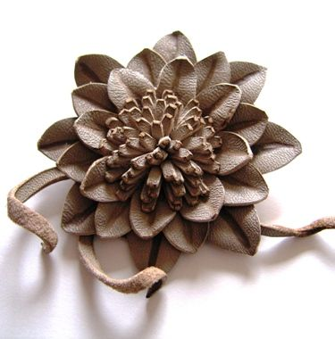 How to make leather flower flores cuero pinterest for Leather flowers for crafts