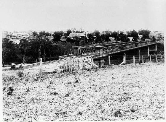Outer Circle Railway - Chandler Highway Bridge with Rails