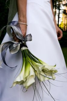 Love Cali Lilly  same bouquet I had at my wedding ;)