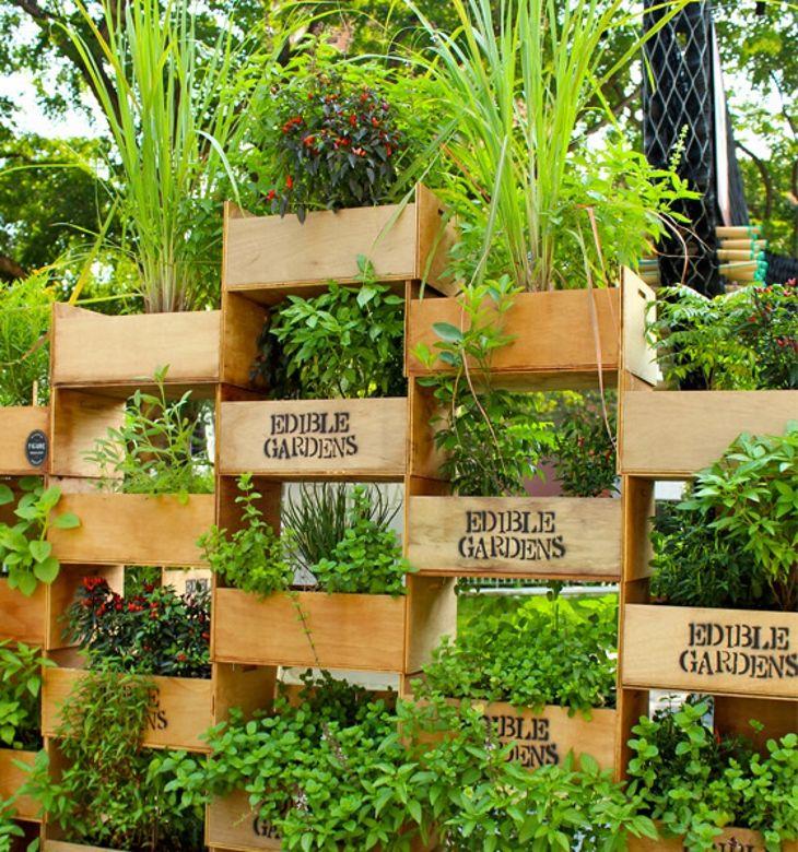 Top 10 Ideas To Transform A Small Backyard Into A Gorgeous Garden - http://www.gardenpicsandtips.com/top-10-ideas-to-transform-a-small-backyard-into-a-gorgeous-garden/