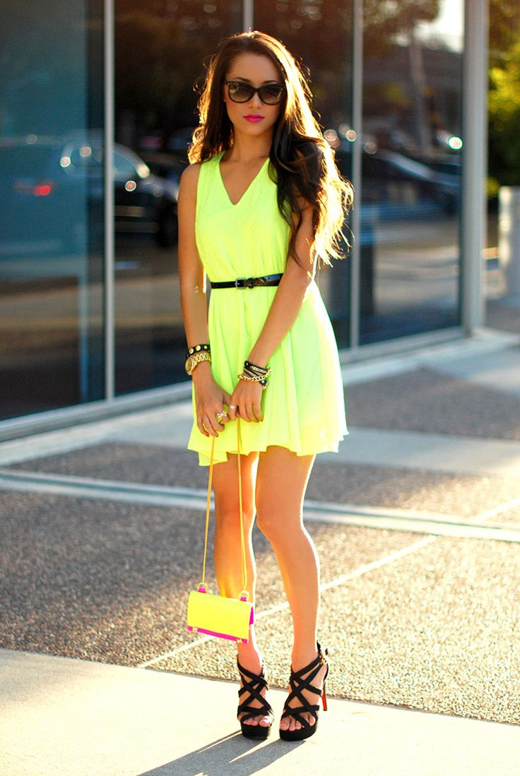 Best 25 Neon Dresses Ideas On Pinterest Neon Maxi Dresses Neon Homecoming Dresses And Prom