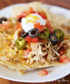 Easy slow cooker chicken nachos dinner idea and recipe