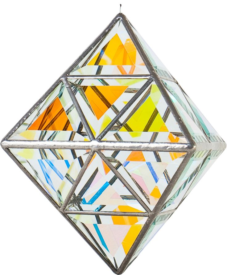 Bring the shimmering beauty of the Vesta Geometrica Sculpture into your life. With fluid integration, this diamond-like sculpture brings elegance and clever use of light.