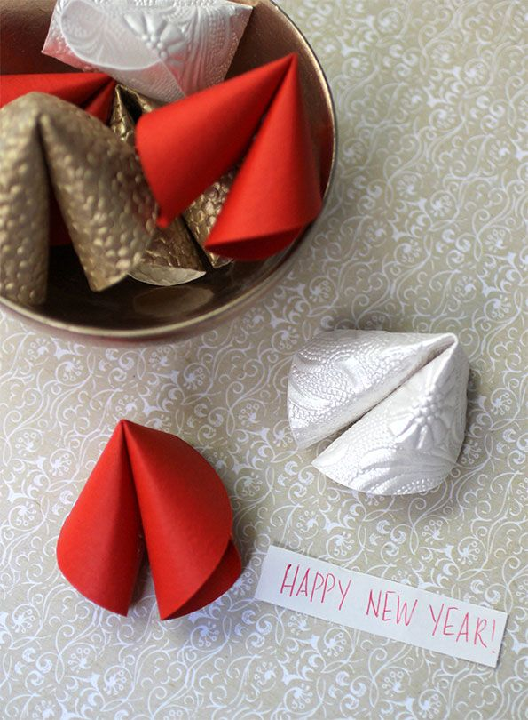 DIY-Paper-Fortune-cookies