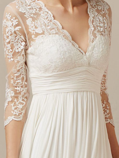 Short lovely wedding dress features in Tulle and Chiffon. The bodice is adorned with vintage lace with scalloped edge along the V-neckline. Lace sheer sleeves add glamor to the whole silhouette for a romantic gal looking. Back is zipper closure with keyhole nape. #weddingdresses #bridalgowns