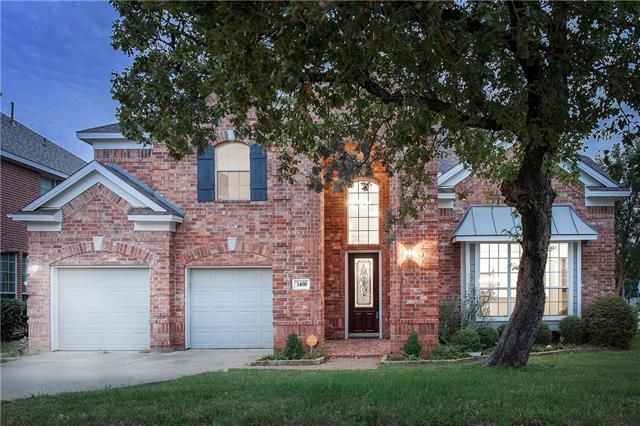 Happy #Monday! Getting the week started off right with today's #ListingOfTheDay in #Denton #Texas. ThisGrand 2-story home on corner lot in desirable Robinson Oaks! Soaring 2-story Foyer with handsome wood floors thru-out downstairs living-dining areas!3400 MARYMOUNT DRIVE, DENTON, TX 76210 – 'bit Southern Realty Group   eXp Realty